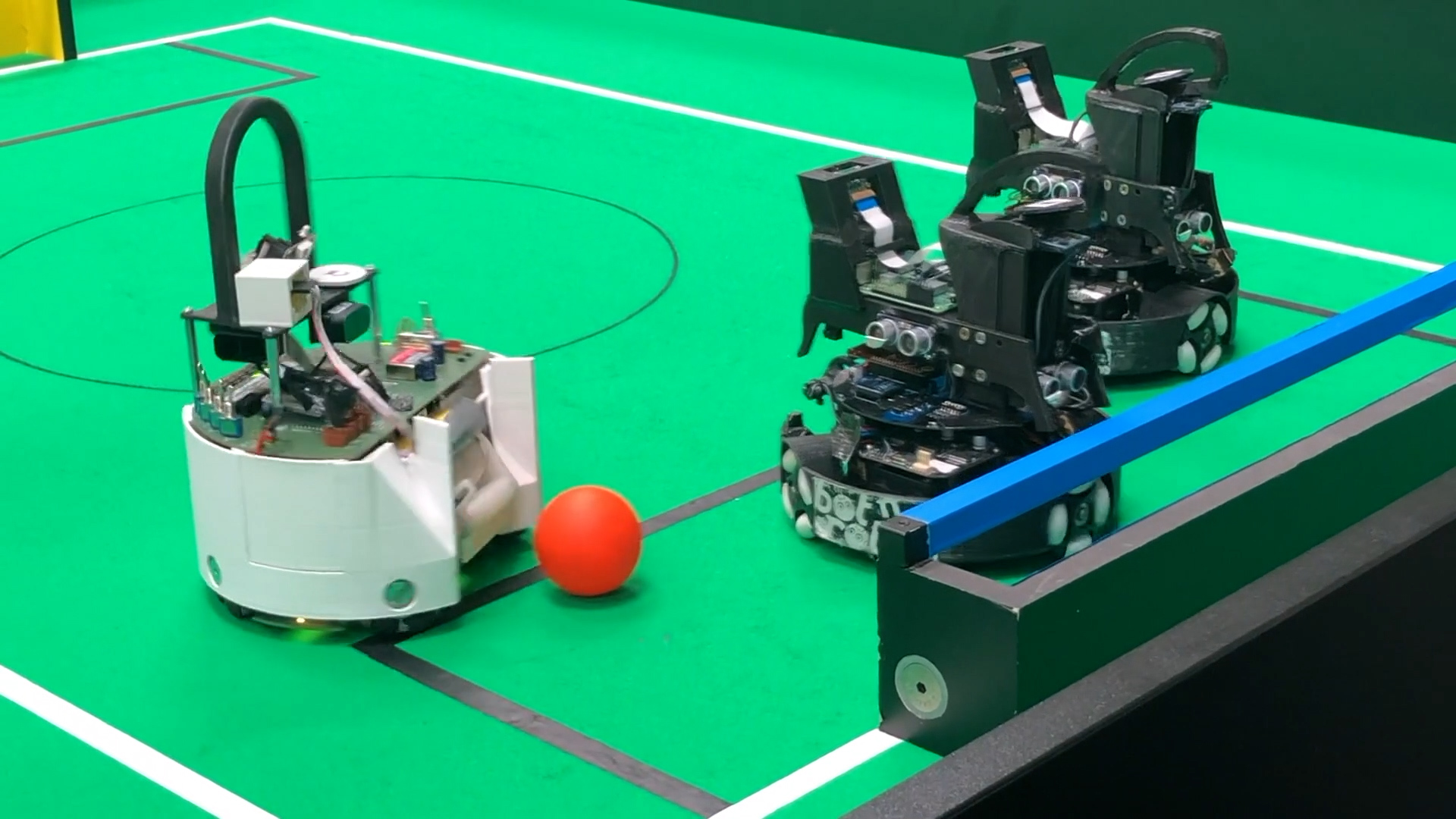 Vorschaubild Video Robotik-AG auf der Seite Tag der offenen Tuer